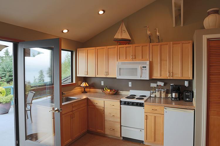 10-cottage-kitchen