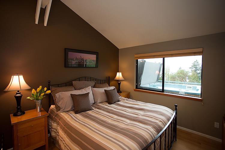 12-cottage-king-bed