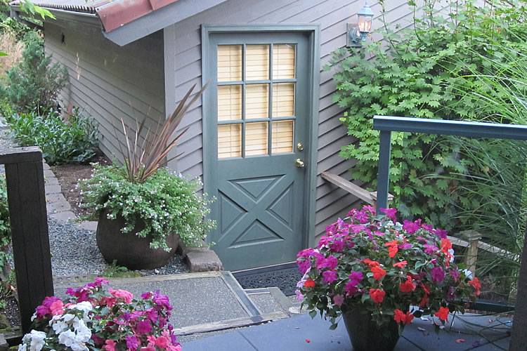 3-cottage-door