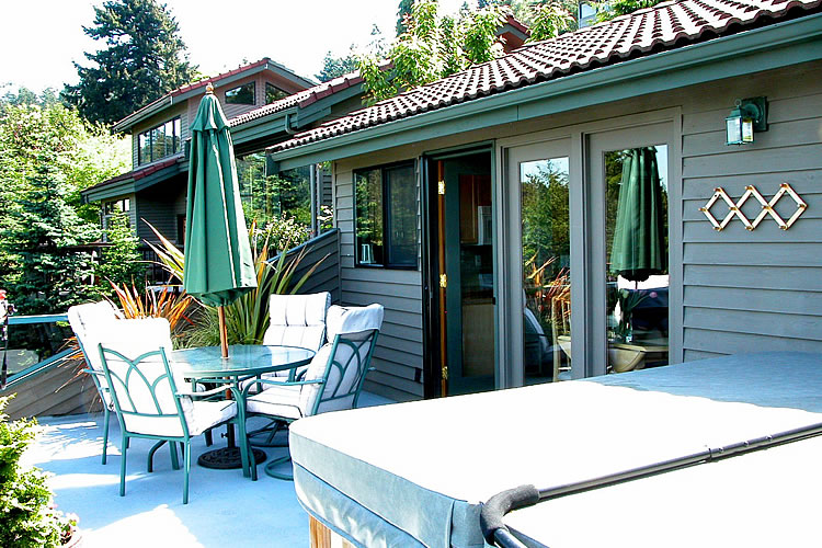 8-cottage-deck